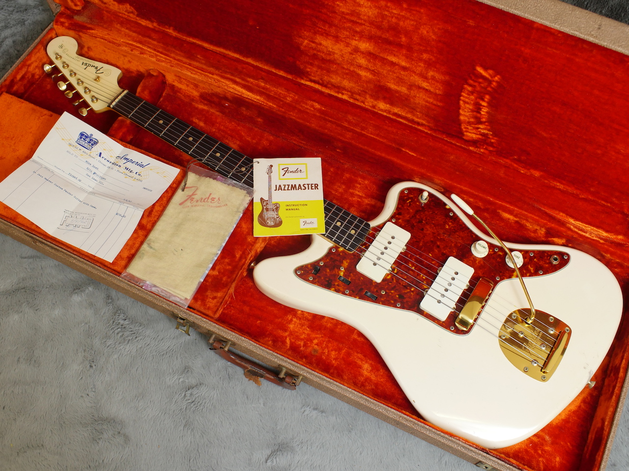 1962 FENDER JAZZMASTER OLYMPIC WHITE GOLD HARDWARE
